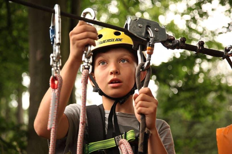 Полис для защиты детей во время занятия спортом очень важен. Без неё ребенка могут не допустить до занятий в спортивной секции или соревнований
