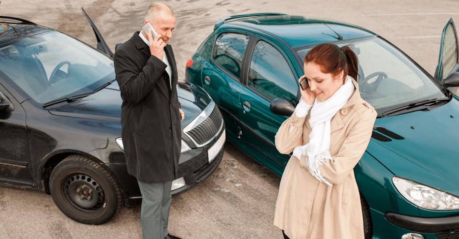 Если полис ОСАГО отсутствует или просрочен, в страховую можно не звонить: выплат по ДСАГО не видать